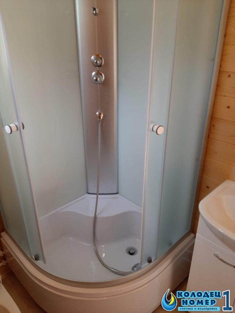 монтаж душевой кабины в частном доме - водоснабжение из колодца